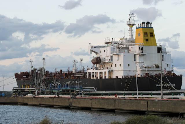Dans le port de Dunkerque © Denis Delbecq