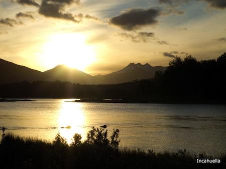 Premier coucher de soleil sur la Terre de feu © Incahuella