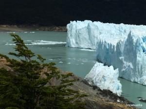 10.02.2011. Un reste du pont glaciaire issu de la dernière poussée de croissance du Perito Moreno en 2003 © Incahuella