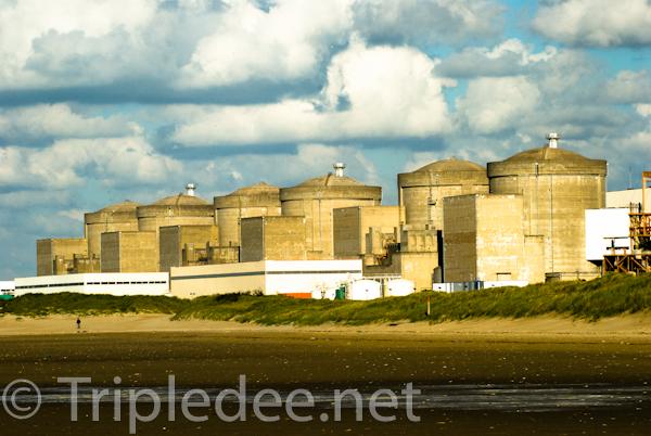 La centrale nucléaire de Gravelines © D.Dq