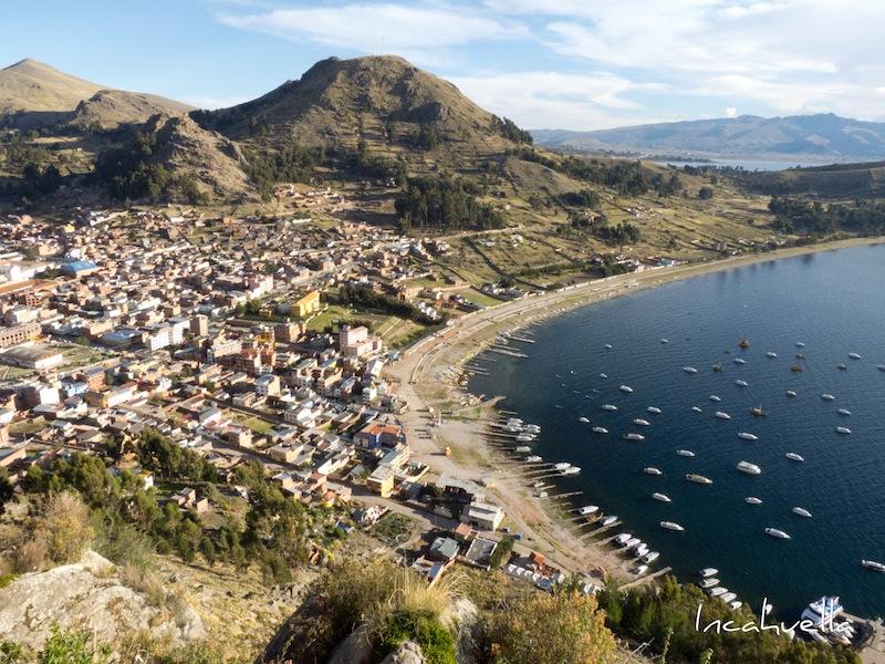 Copacabana, située sur les rives du lac Titicaca, n'a toujours pas de système d'égouts. Les eaux usées sont rejetées directement dans le lac © Incahuella