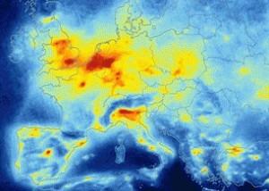 La pollution atmosphérique vue du ciel (ici, oxydes d'azote) © ESA